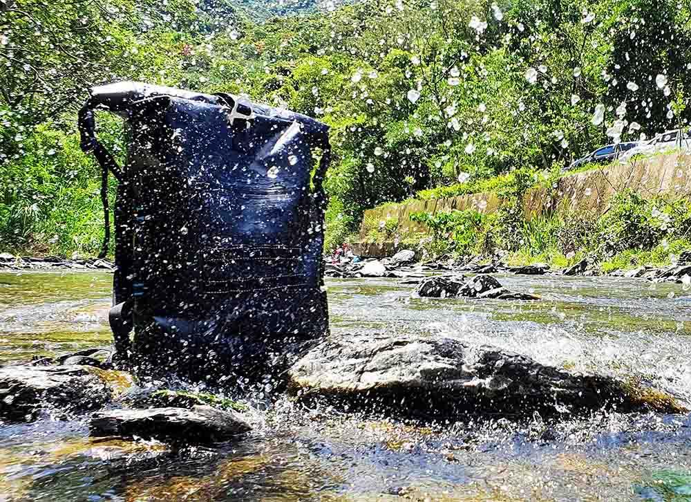 倍勁的防水後背包100%防水